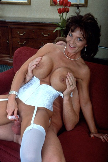 deauxma-fucking-with-her-husband