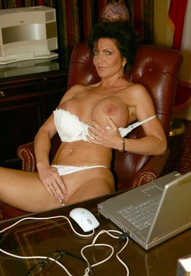 horny-pornstar-deauxma-doing-a-cam-show