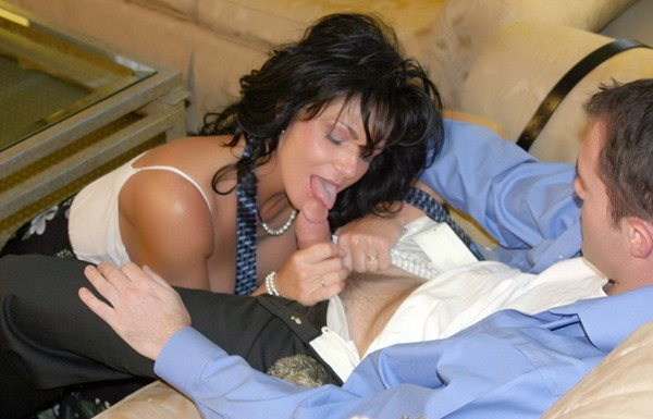 deauxma-sucking-a-big-cock