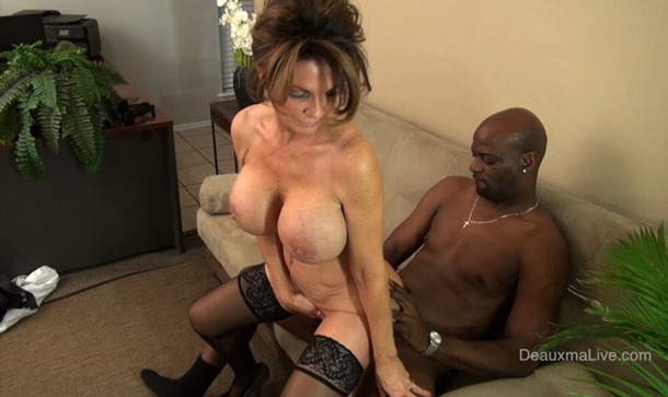 deauxma-pumped-from-behind