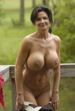 outdoor striptease